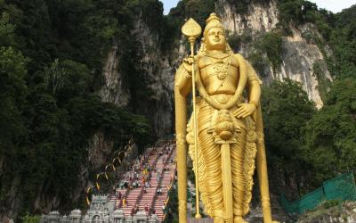 El espectacular Festival Thaipusam en las Batu Caves de Kuala Lumpur (Malasia)